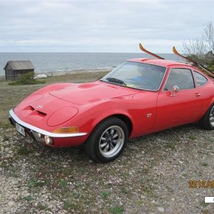 Opel Gt with skirack